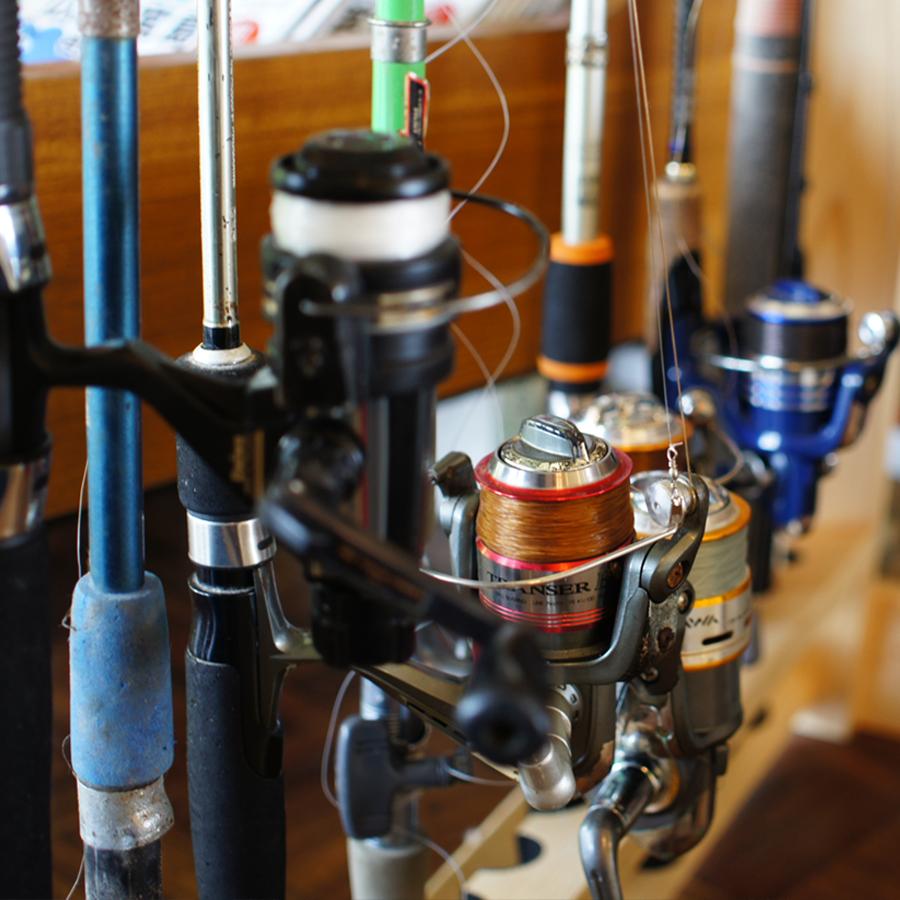 Fishing rod 3,000 yen Feed 500 yen